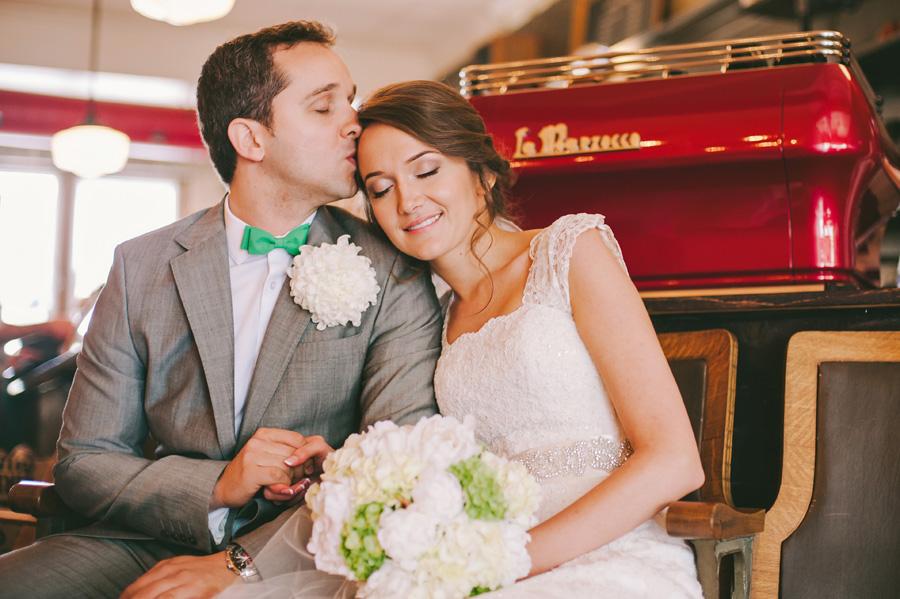 Betty_Emanuel_Wedding_Peek8
